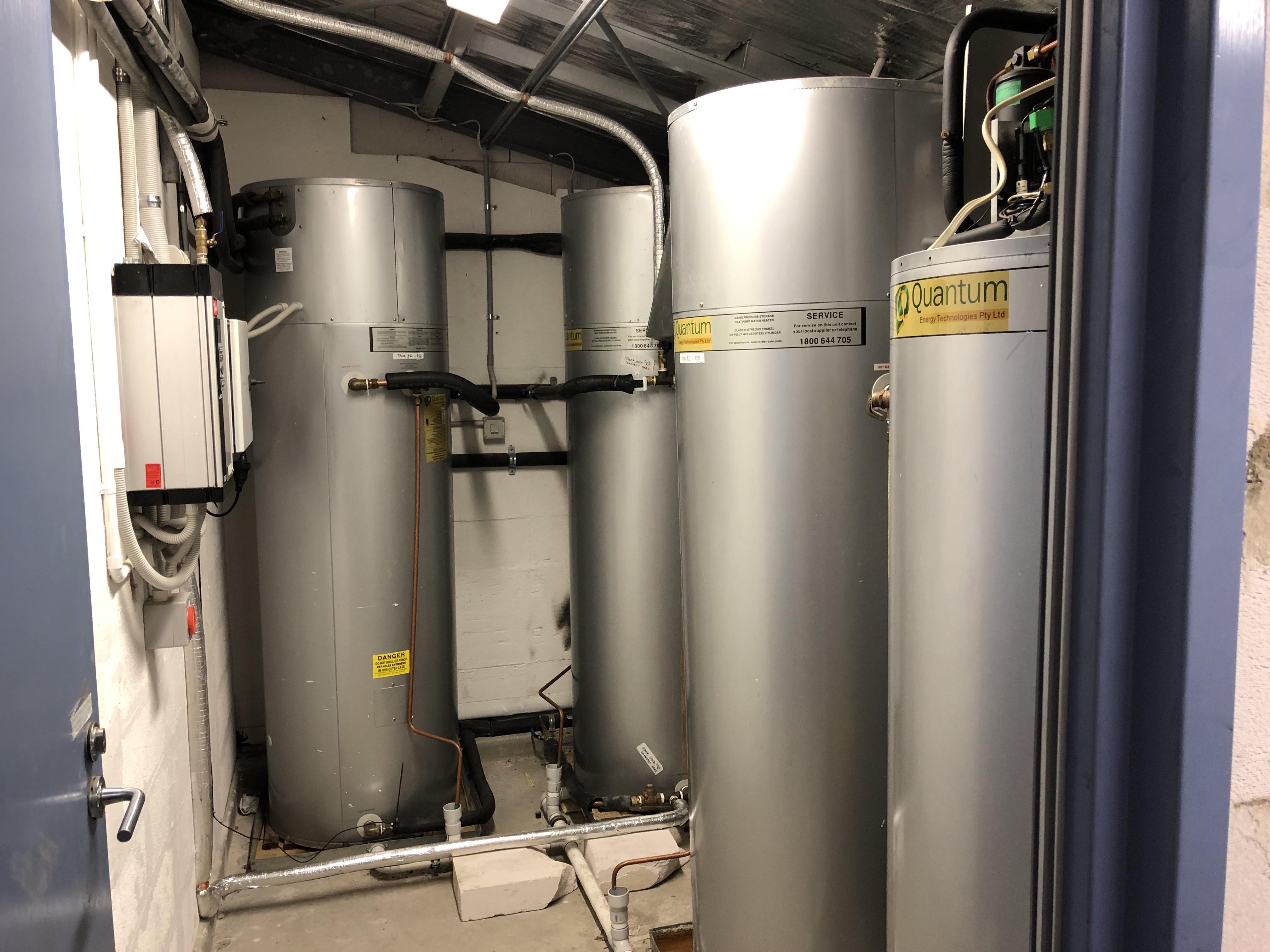 Quantum heat pumps